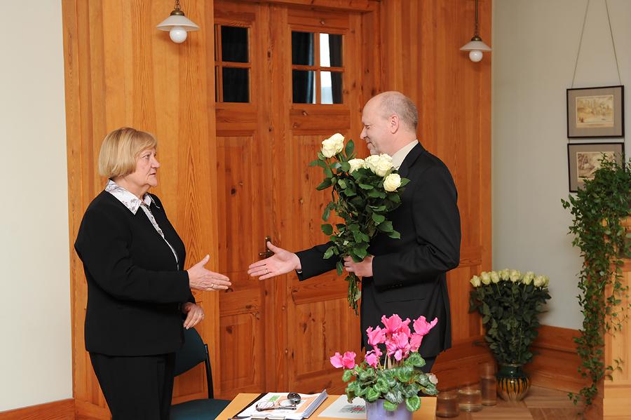 TMR direktore Anna Jurkāne un KM Muzeju nodaļas vadītājs Jānis Garjāns