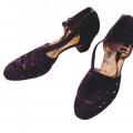 Tumši zilas zamšādas kurpes, darinātas Rūdolfa Eglīša apavu firmā. TMR 20670