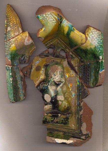 Krāsns podiņa fragmenti, Turaidas pils, XVI gs.