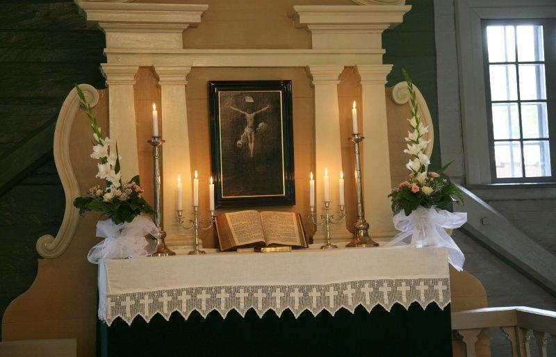 Turaidas baznīca. Altāris ar altārgleznu