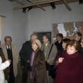 Pasākuma dalībnieki iepazīstot Gaujas lībiešiem veltīto ekspozīciju