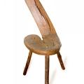 No bērza māzera ārējās formas izgrebts krēsls. TMR plg 6686