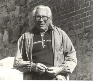J. Graudonis Turaidas pils rietumu pusē 1983. gads