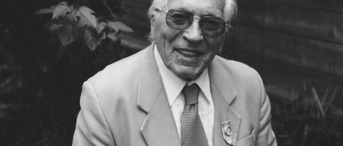 J. Graudonis Turaidas arheoloģiskās ekspedīcijas 25. gadadienā. 2000. gads
