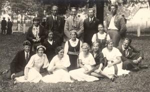 Jāņa Graudoņa vadītais Tūjas koris Dziesmu svētkos Trikātā. 1938. gads