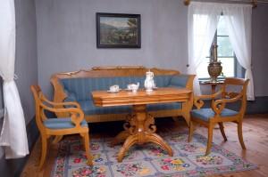 Turaidas muižas pārvaldnieka vecās dzīvojamās mājas iekšskats - zāle