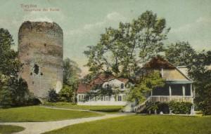 Turaidas pils galvenā torņa drupas pirms 100 gadiem