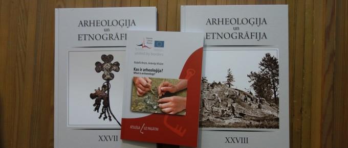 Arheoloģijas grāmatu dāvinājums