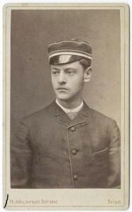Pēdējais Turaidas muižas īpašnieks Aleksandrs fon Stēls- Holšteins jaunībā
