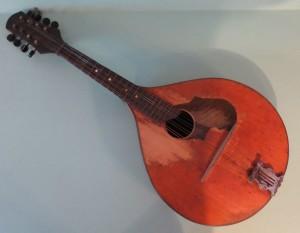 Mārtiņa Krastiņa Džezkazganā pirktā mandolīna