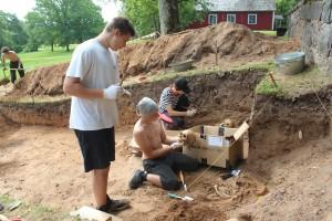Apbedījumu kaulu sagatavošana antropoloģiskajai izpētei. A. Tabaka foto