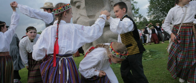 Pupils folklore grpuop on Folklore Hill
