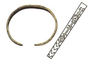 Turaidas pils lībiešu aproce ar saulītes ornamentu. 12. gadsimts