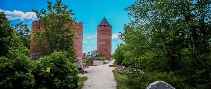 FotoManLV 2020 05 26 Turaidas muzejrezervāts Dainu kalns uc-131samazin