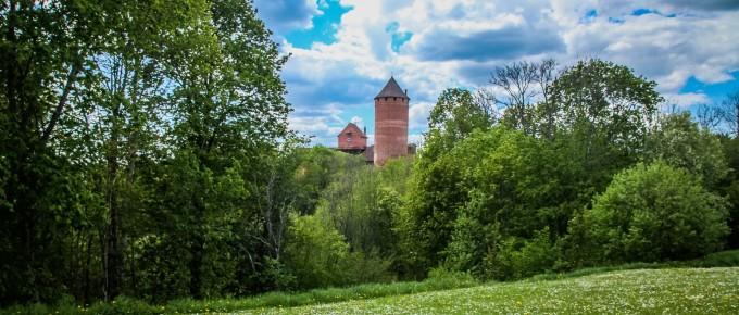 FotoManLV 2020 05 26 Turaidas muzejrezervāts Dainu kalns uc-163samazin