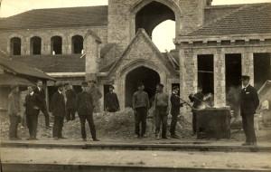 Stacijas jaunbūve skatā no D. O. Lessiņa foto. 1925. gada 21. augustā