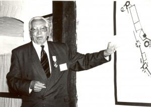 """Jānis Graudonis konferencē """"Gaujas lībieši Latvijas kultūrvēsturē"""" Turaidas muzejrezervātā. 1998. gads"""